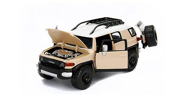 JADA 99318 JUST TRUCKS TOYOTA FJ CRUISER 1//24 DIECAST MODEL CAR CHARCOAL GREY