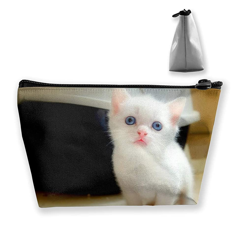 Makeup Bag Cosmetic White Cat Baby Portable Bag Mobile Trapezoidal Storage Bag Travel Bags With Zipper