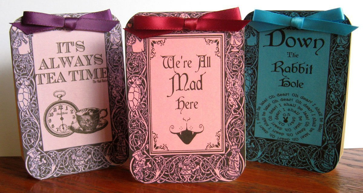 Alice in Wonderland table tent cards 8 party decoration of Popular shop is the lowest price challenge set Year-end gift