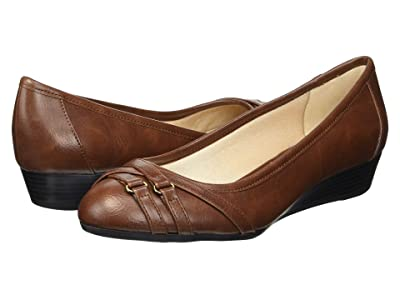 LifeStride Flair (Dark Tan) Women