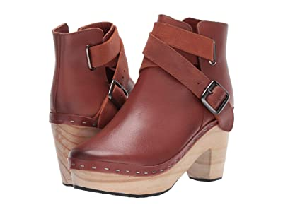 Free People Bungalow Clog Boot (Brown) Women