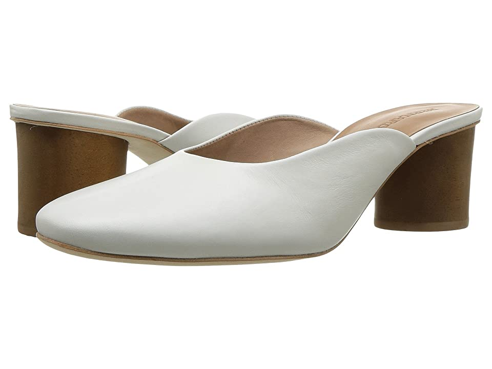 Image of Bernardo Irena (White) Women's Shoes