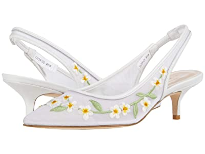 Stuart Weitzman Vea (White Mesh Flower) Women