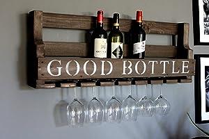 Weinregal aus Holz für die Wand - mit Gläserhalter und GOOD BOTTLE Schriftzug - Braun antik - fertig montiert - Regal...