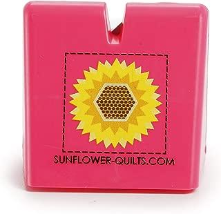The Original Thread Cutter by Sunflower Quilts (Pink)