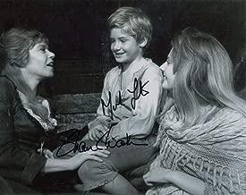 Mark Lester & Shani Wallis Signed Oliver 1968 Oliver & Nancy 10x8 Photo B