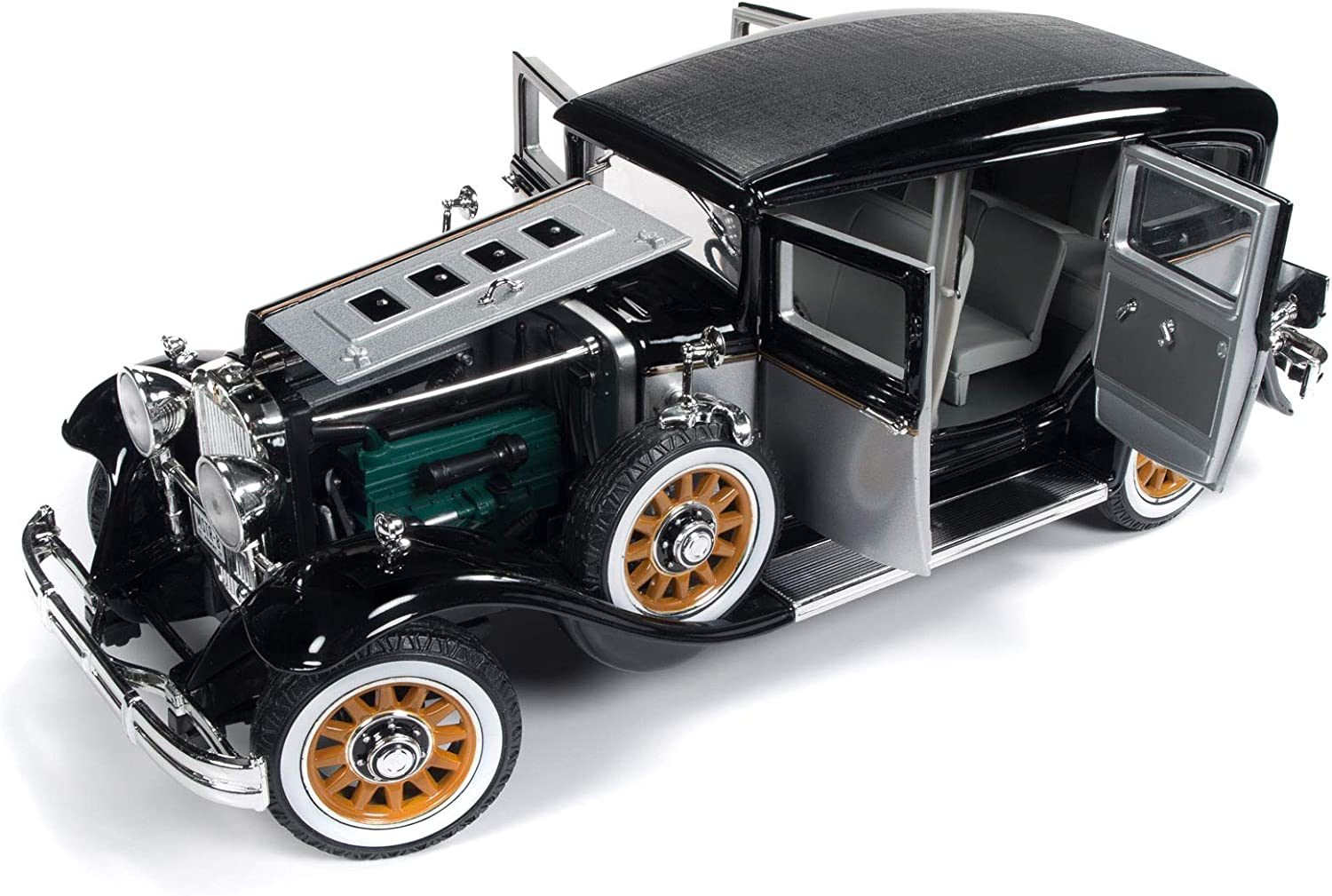 1931 Peerless Master 8 Sedan Black and Silver Limited Edition to 1,500 Pieces Worldwide 1 18 Diecast Model Car by Autoworld AW252