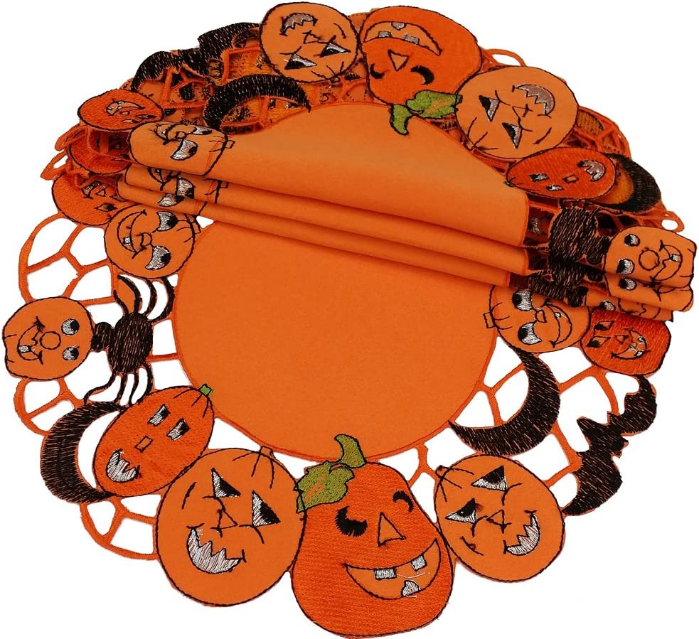 Amazon Com Xia Home Fashions 4 Pack Happy Jack O Lanterns Round Halloween Placemats 16 Inch Home Kitchen