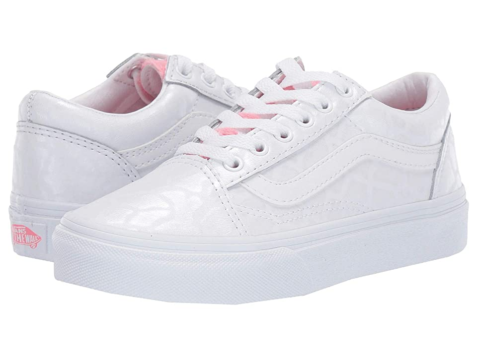 Vans Kids Old Skool (Little Kid/Big Kid) ((White Giraffe) True White/Strawberry Pink) Girls Shoes