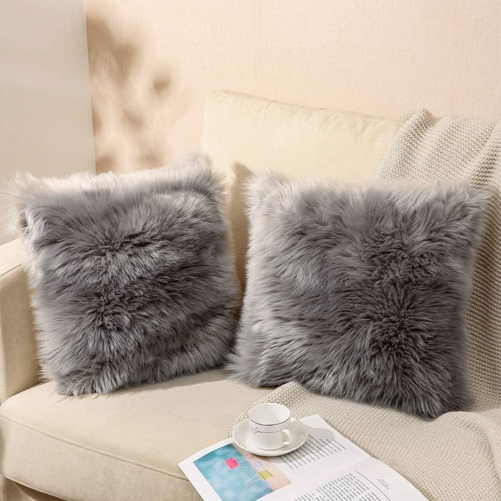 QUALKNOY Fundas de cojín decorativas de piel de cordero sintética de pelo largo gris para salón, sofá, dormitorio, asiento de coche, tienda de campaña, 50 x 50 cm, juego de 2