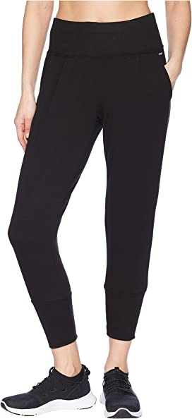 c3e714a5 Levi's® Womens Jet Set Taper Zip at Zappos.com