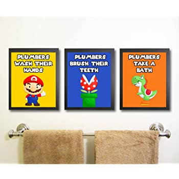 Pyramid America Super Mario Chase Video Gaming Framed Poster 20x14 inch