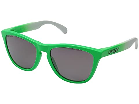 54b3b57cf69 Oakley Frogskins at 6pm