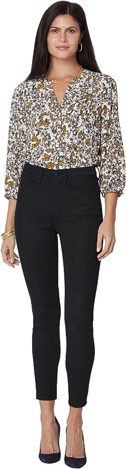 High-Rise Ami Skinny Jeans in Black