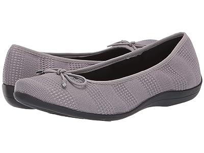 Soft Style Heartbreaker (Dark Grey Knit) Women