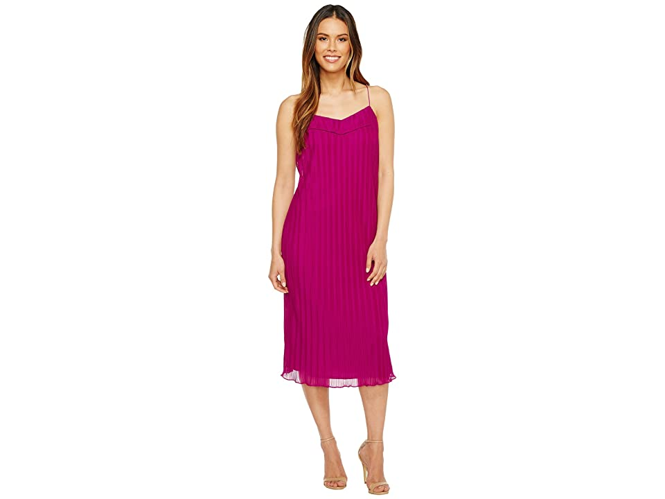 3fc6966450d9 Maggy London Pleated Texture Slip Dress (Berry) Women