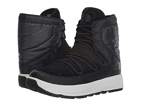 The North Face Ozone Park Winter Boot at Zappos.com