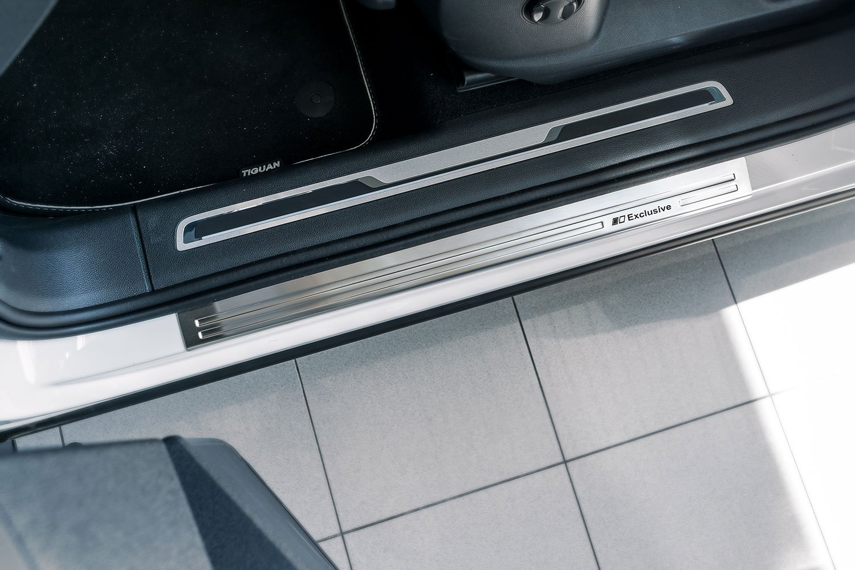 tuning-art 929 Schwarze Aluminium Einstiegsleisten mit Abkantung