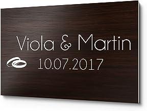 Bruiloftbordje houtlook van kunststof met naam of spreuk & motief bijv. trouwpaar ringen voor de bruiloftsbank | persoonli...