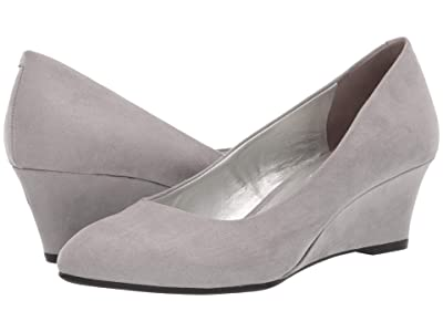 Bandolino Fayola Wedge Heel (Light Grey Fabric) Women