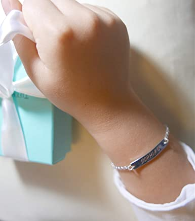 Personalized Name Bar Dainty Bracelet for NewBorn 1st Birthday Little Girl Friendship Mommy and Me Gifts Engraved Delicate Jewelry/Presente Pulsera para bebe Senora Same Day Shipping by 1PM