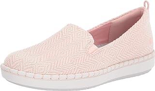 حذاء مسطح بدون كعب للنساء من Clarks