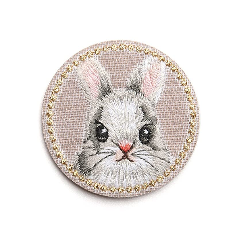 XUNHUI Cute Rabbit Patches Animals Embroidered for Clothing Iron Applique Clothes Stickers Badge DIY 1 Piece