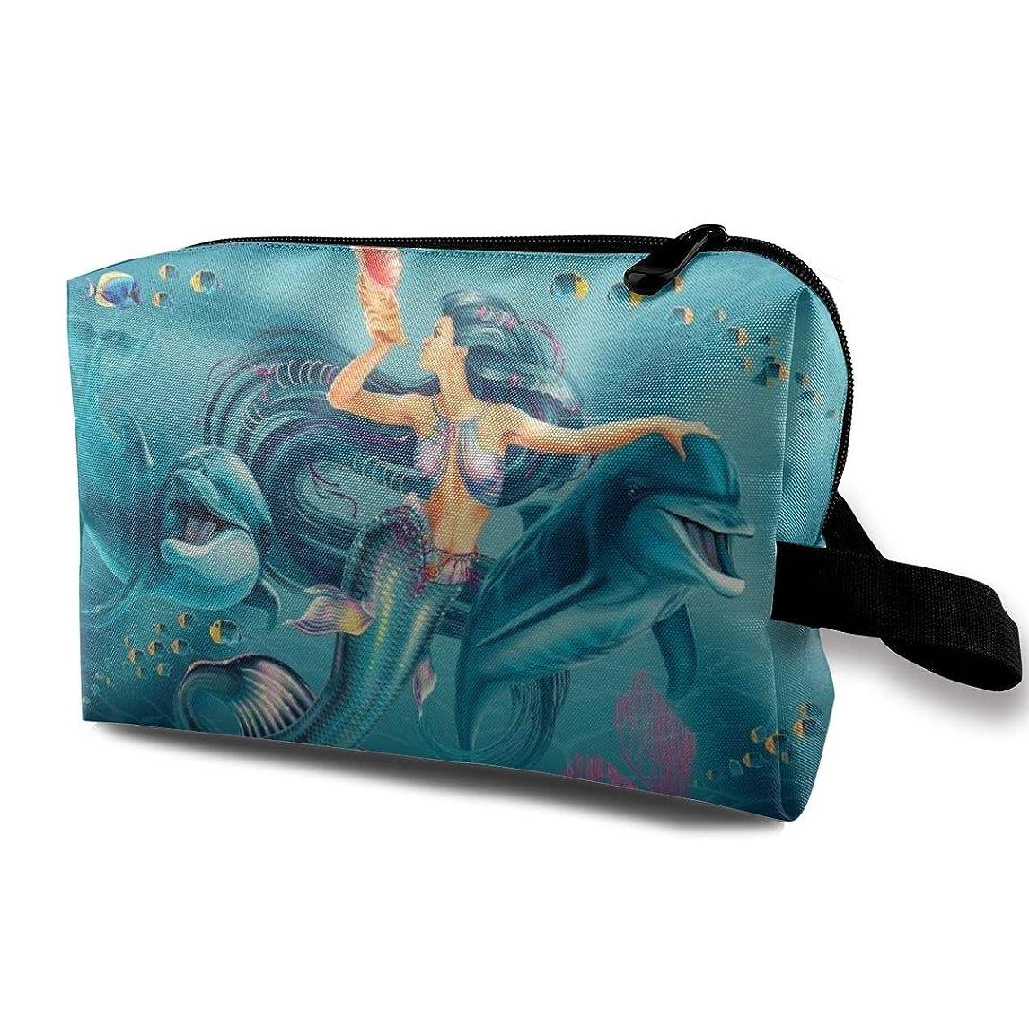 セクタ気晴らし仕様Cool Mermaid Queen And Fish In The Blue Sea 収納ポーチ 化粧ポーチ 大容量 軽量 耐久性 ハンドル付持ち運び便利。入れ 自宅?出張?旅行?アウトドア撮影などに対応。メンズ レディース トラベルグッズ
