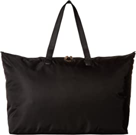2ba9d6ca2ec27 MICHAEL Michael Kors Nylon Kelsey Large Top Zip Tote at Zappos.com