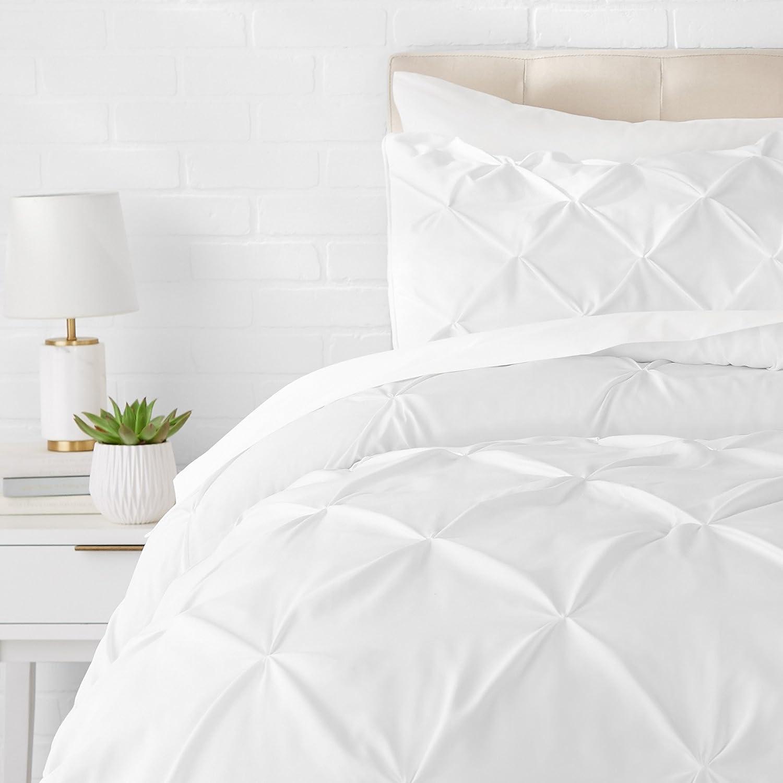 Amazon Com Amazon Basics Pinch Pleat Down Alternative Comforter Bedding Set Twin Twin Xl Bright White Home Kitchen