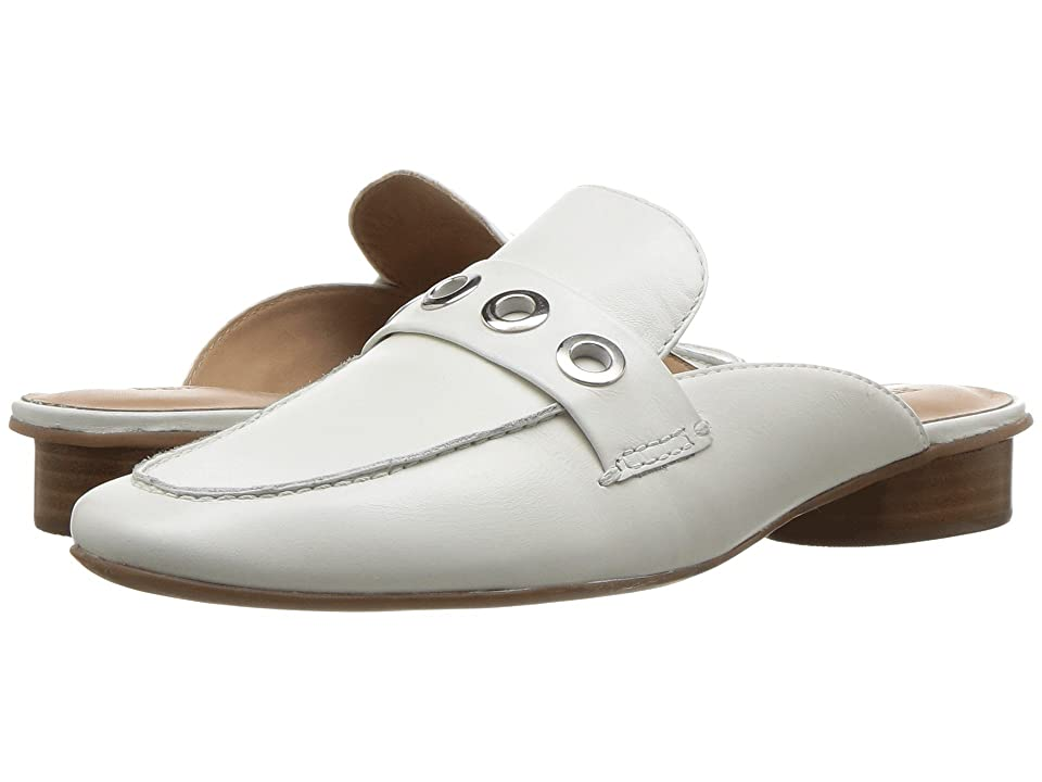 Image of Bernardo Jen (White) Women's Shoes