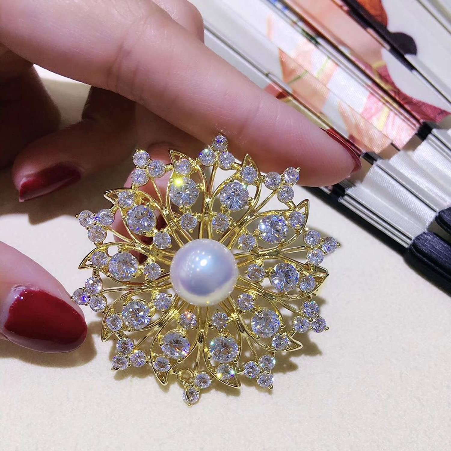 Freshwater Pearl Corsage Brooch pin Badge pin Fashion Zircon Micro Pave Shiny Garland Glare Flawless Round Bread