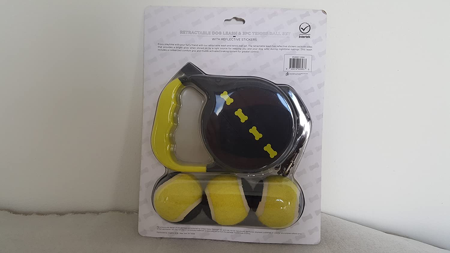 25ft Retractable Dog Leash & 3pc Tennis Ball Set with Reflective Stickers