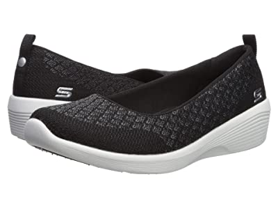 SKECHERS Arya Get Real (Black/White) Women