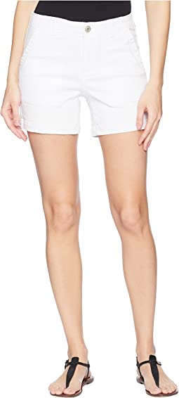 "Stretch Twill 5"" Shorts with Patch Pocket in White"