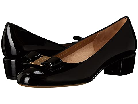 Salvatore Ferragamo Vara Classic Low Bow Pump