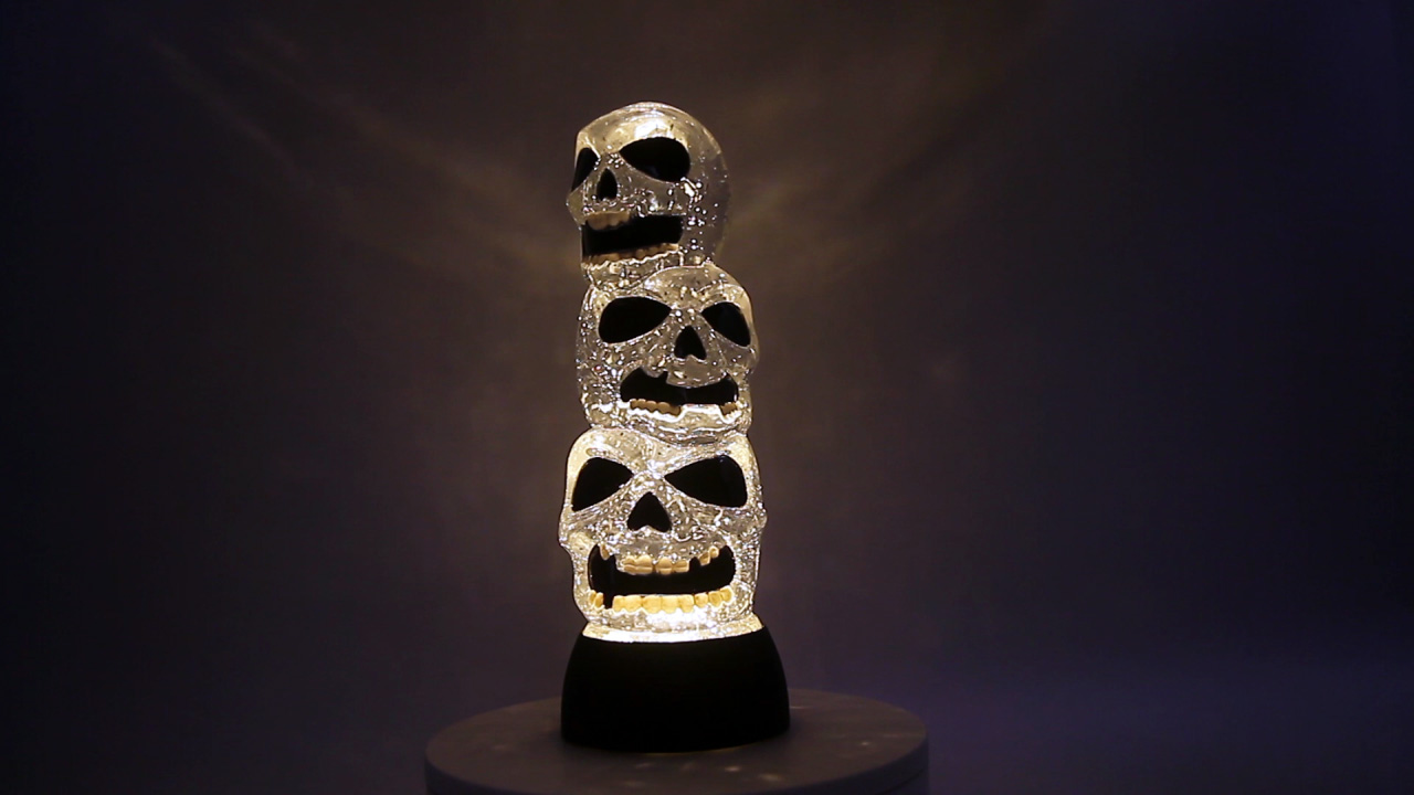 Evelyne Gmt 10335 A Triple Skulls Stack Tower Led Lighted Halloween Snow Globe Battery Operated