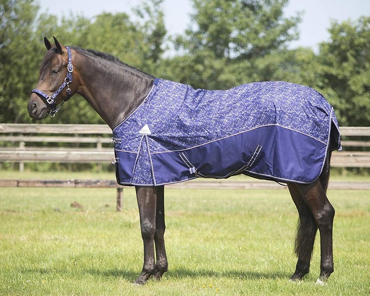 QHP Turnout rug collection fleece lining  Size 185