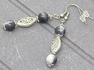 Orecchini etnici Zen con perle naturali di giada bianca e nera e perle tibetane