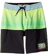 Fifty50 Fade Pro Boardshorts (Big Kids)