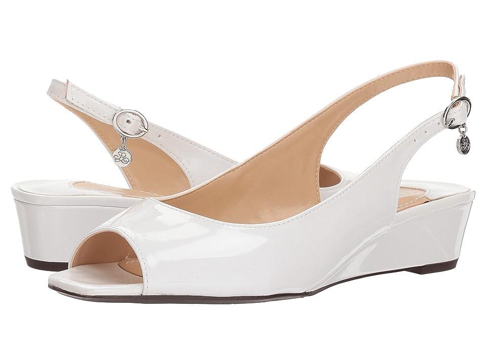 J. Renee Alivia (Pearl White Metallic) High Heels