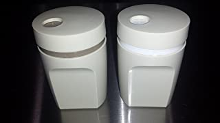 Vintage Tupperware Tan / Beige 3 1/2 Inch Plastic Salt & Pepper Shaker Set