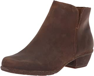 Clarks Women's Wilrose Frost Ankle Boot