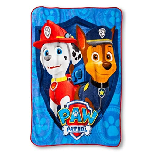 59 x 78 in. // 4.92 x 6.5 ft. //1.49 x 1.98 m Paw Patrol Oversized Plush Blanket