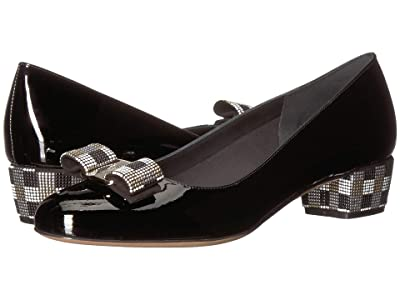 Salvatore Ferragamo Vara Low Pump (Nero Naplak Fondo) Women