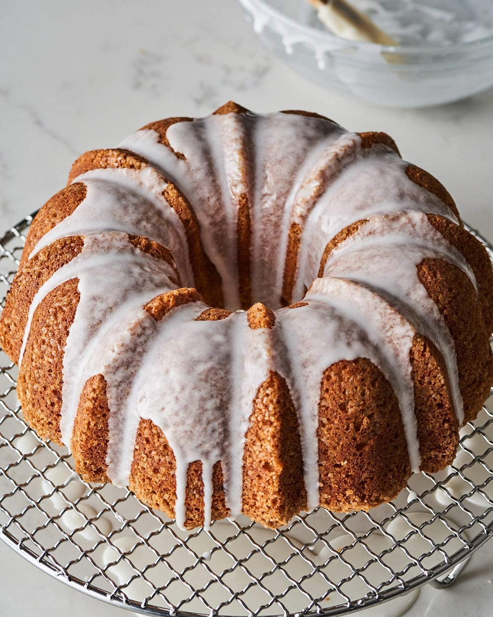 gray wavy, 9.6 x 4 Non-Stick Bake Tube Quality Bundt Pan 9.6 Fluted Bakeries and Catering Kitchen For Home