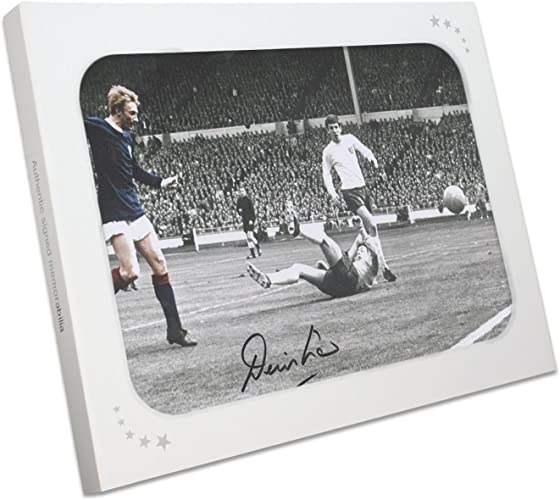 Photo d'écosse signée Denis Law  but contre l'Angleterre. Dans une Boîte cadeau