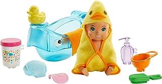 Barbie Famille Skipper baby-sitter Spécial Bain, figurine bébé blond, baignoire et accessoires, jouet pour enfant, GHV84