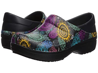 Crocs Neria Pro II Graphic Clog (Black/Multi Floral) Women