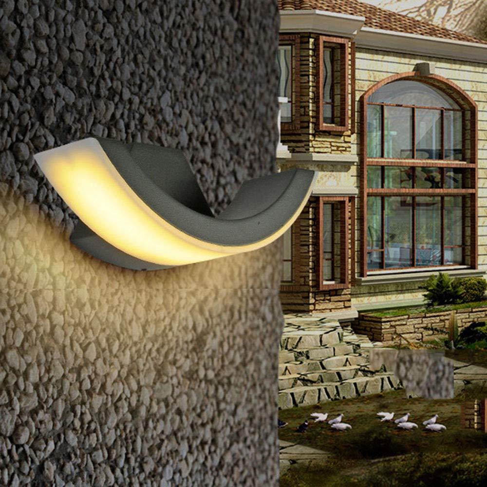 Moderno 8W LED lámpara de pared exterior de aluminio negro luz impermeable IP54 Wall Wash luces Artful diseño curvado para balcón escalera de baño patios patio, 3000K luz cálida: Amazon.es: Iluminación